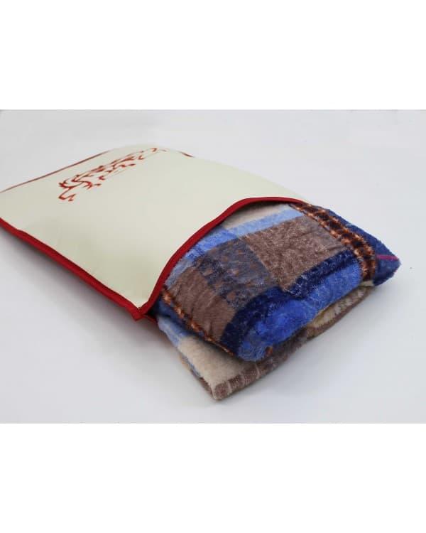 Подушка-наволочка на MAN красная